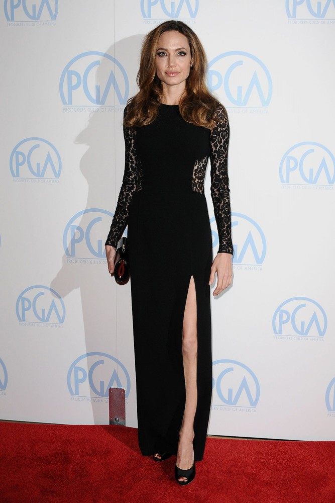Анжелина джоли в черном платье фото
