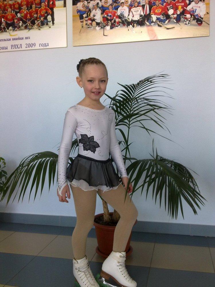 Из гимнастического купальника платье
