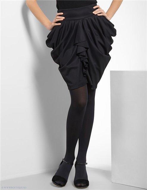 Драпировка на юбке платья