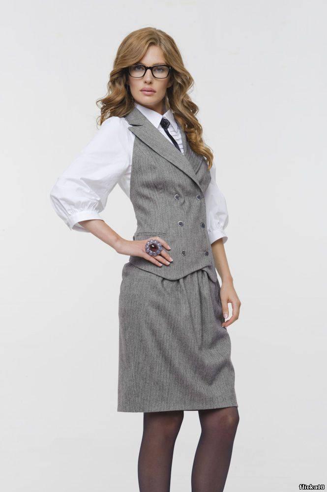 299dcea92cea История становления делового стиля в женской одежде   Шкатулка