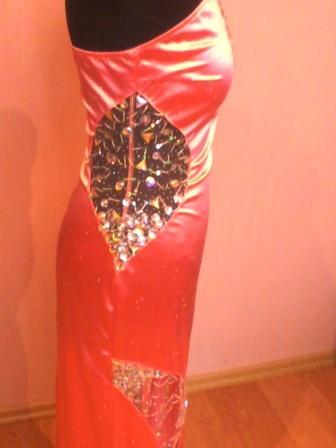 Вечернее контрастное платье 1