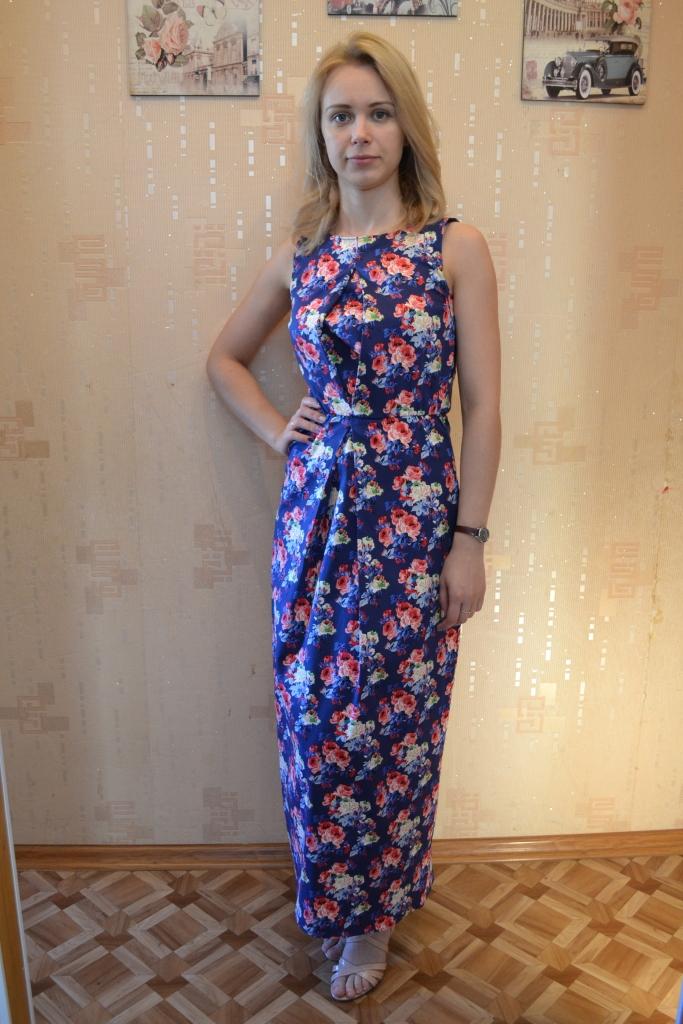 Платье с встречной складкой