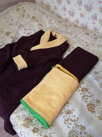 Халат из махровой ткани