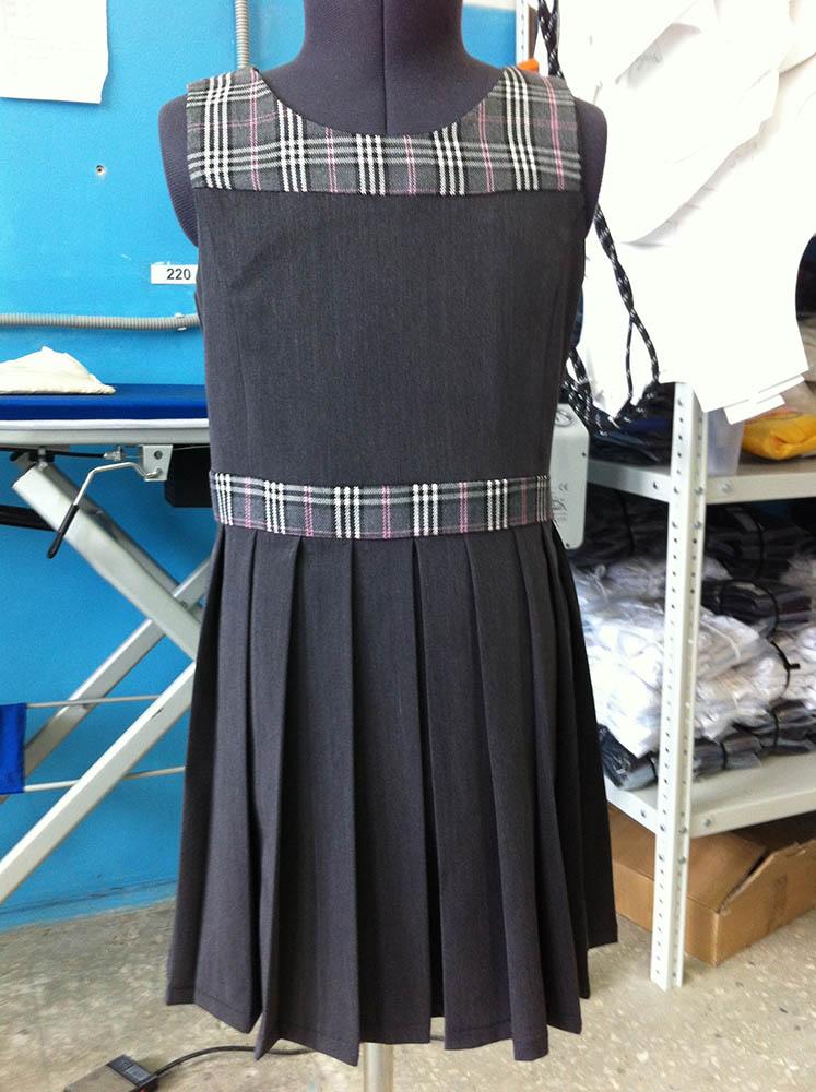 Как из школьного сарафана сшить юбку 17